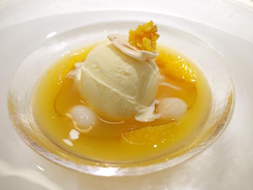 リッチミルクアイスクリーム、アマレット風味の冷たいオレンジジュレスープ(200912@ハーゲンダッツ ラ・メゾン・ギンザ)