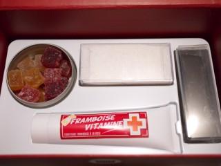 スイーツ救急箱の下段の中身
