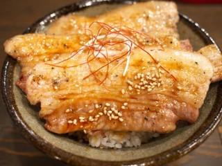 エビスコ酒場のエビスコ丼(ハーフ)