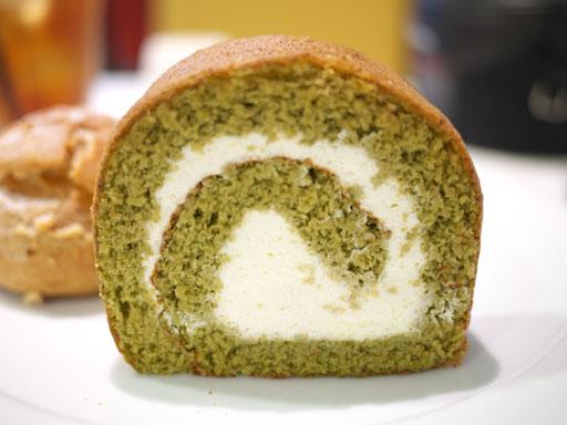 米粉のロールケーキ抹茶