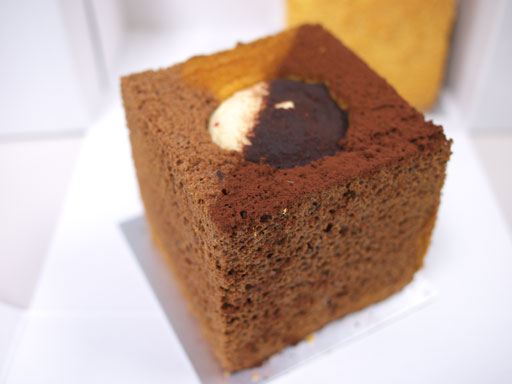 カリフォルニアシフォンケーキキャラメルチョコレート(201010@SOLA)