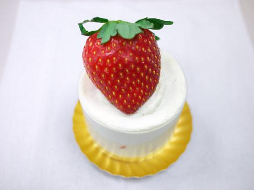 ご褒美いちごのショートケーキ(201012@カオリヒロネ)上から見てもすごい