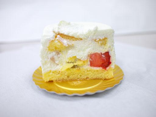 ご褒美いちごのショートケーキ(201012@カオリヒロネ)断面