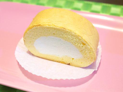 ロールケーキ(201102@はらロール)斜め上から