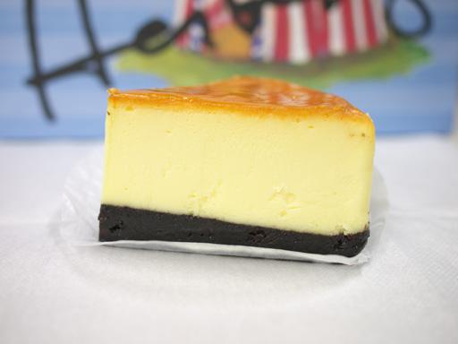 ダブルチーズケーキ(201105@デザートサーカス)横から