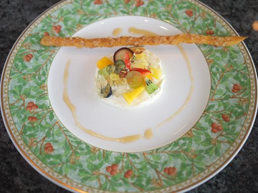 選りすぐりの旬のフルーツを一皿に(201110@チカリシャス ニューヨーク アマリージュ)