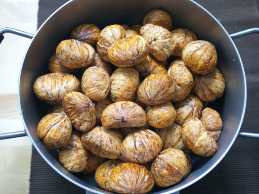 渋皮煮からモンブランを懲りずに作ってみた(201110)渋皮をむく。2kg。