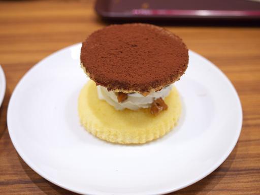 デザートサンド(201204@MOSDO)くるみとブルーベリーのデザート