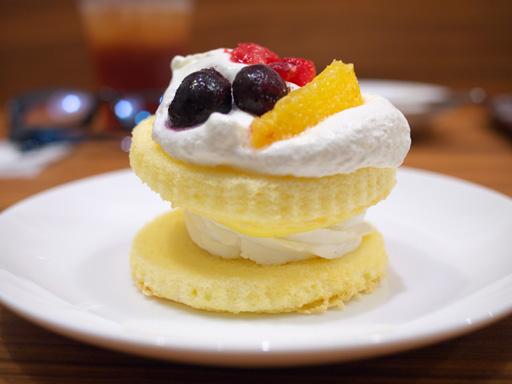 デザートサンド(201204@MOSDO)ふんわりクリームのデザート横
