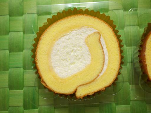 コンビニ夏の新作ロールケーキ食べ比べた(201207@コンビニ)3つのヒミツ!極上ロール