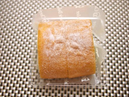 コンビニ夏の新作ロールケーキ食べ比べた(201207@コンビニ)クリームロール