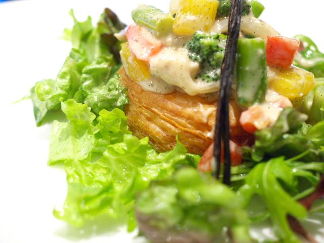 野菜と鶏肉のパイ タヒチ風Toshi流アレンジ アップで