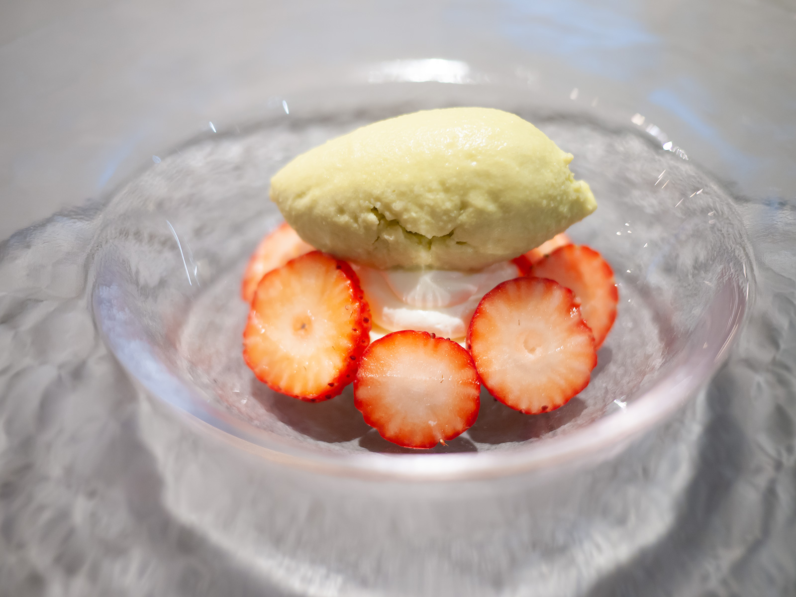Nagano Suzuakane Strawberry and Pistacchio